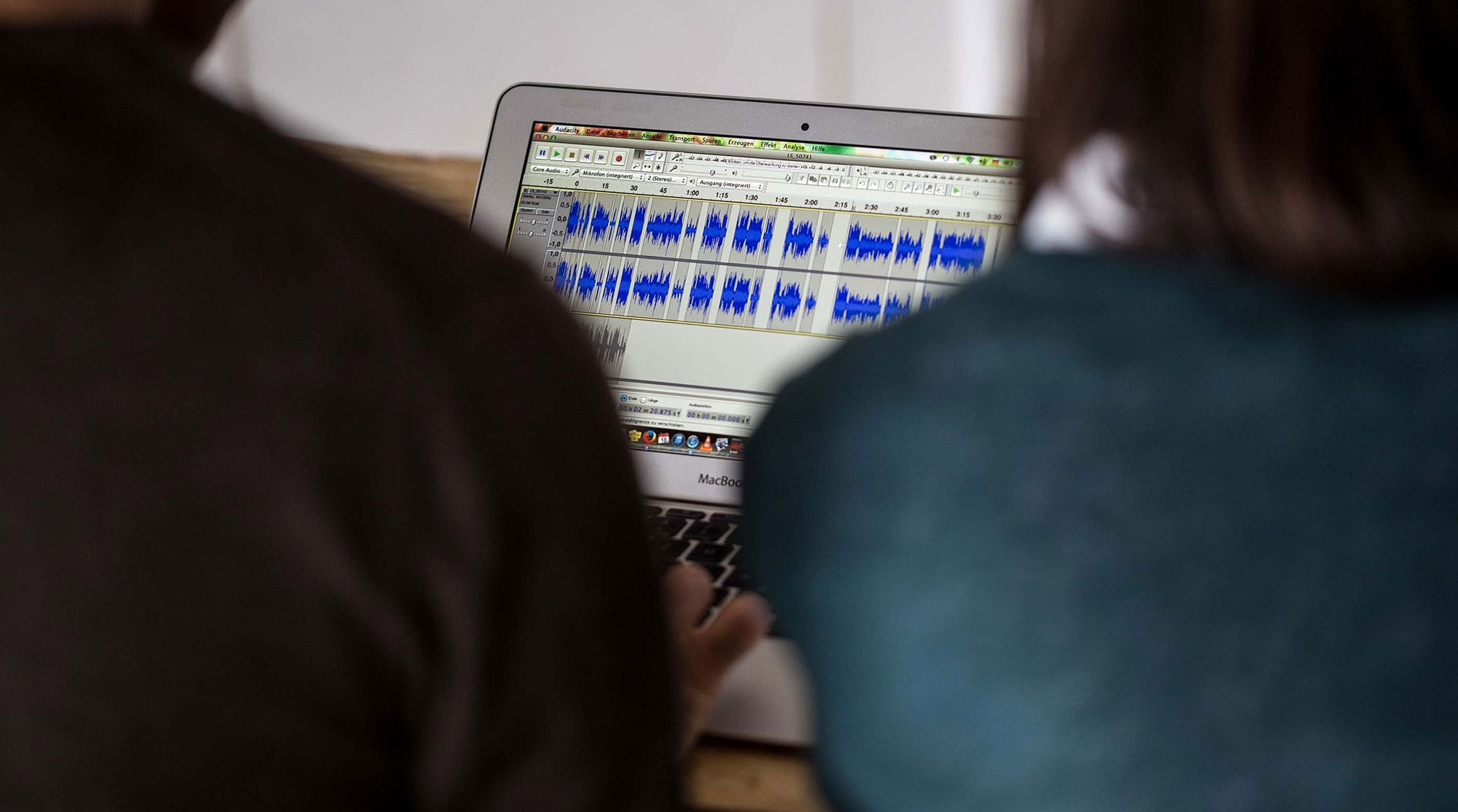 Sound designer optimizes audio files of interviews